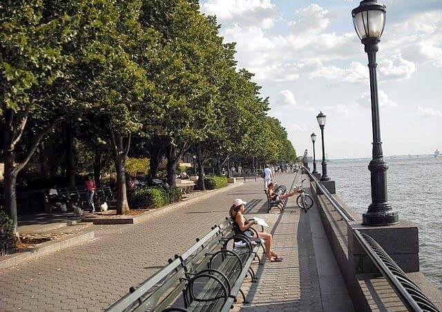 Como é o Battery Park em Nova York?