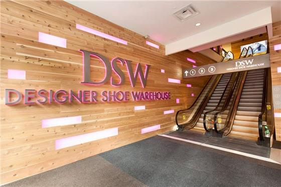 Designer Shoe Warehouse em Nova York   Sapatos
