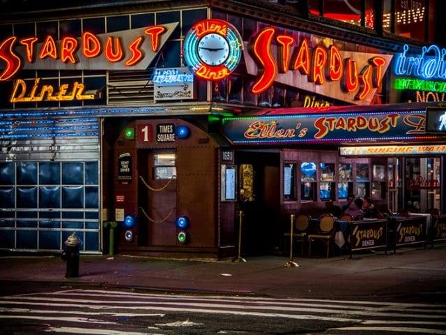 Restaurante Ellen's Stardust Diner em Nova York