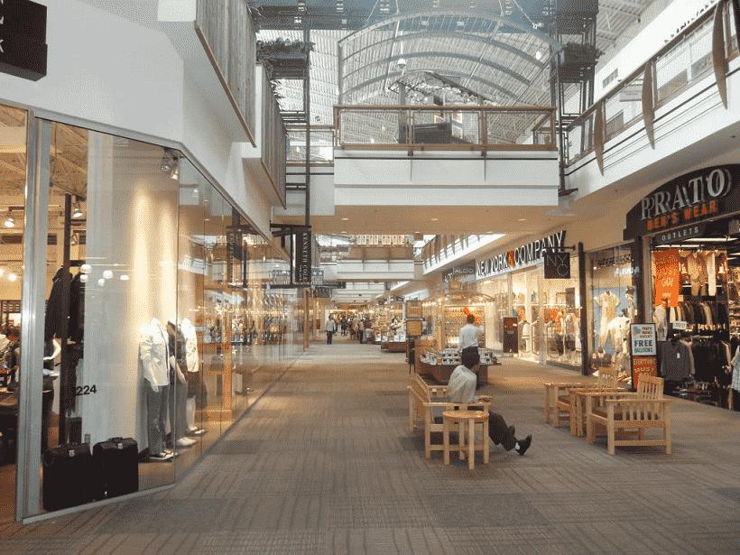 Quais lojas você encontra no Jersey Gardens em Nova Jersey?