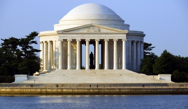 Jefferson memorial e lagoa Tidal Basin