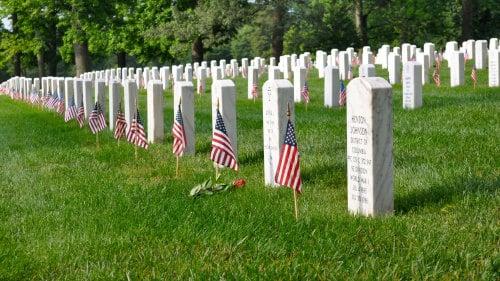 Passear pelo Cemitério de Arlington em Washington