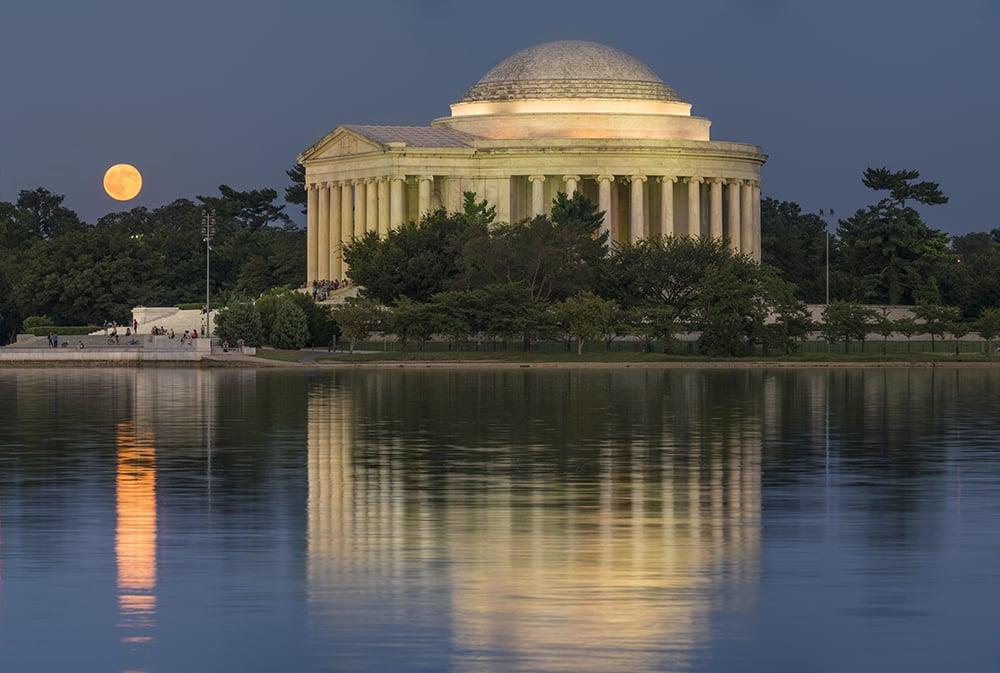 Jefferson memorial e lagoa Tidal Basin