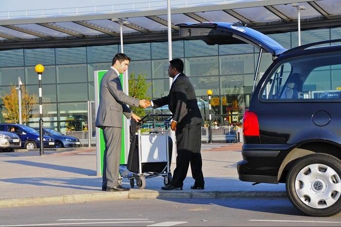 Indo do aeroporto da Filadélfia ao hotel de transfer