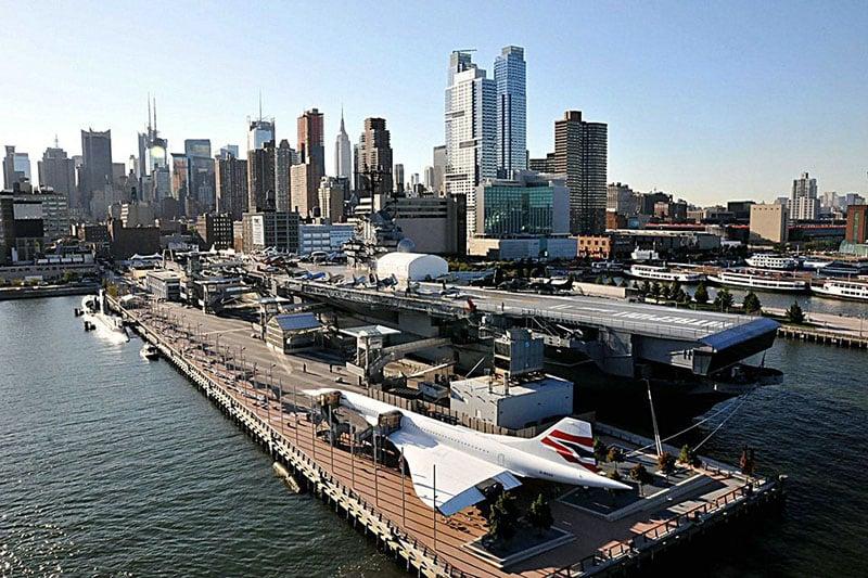 Porta-aviões no Museu Intrepid Sea, Air & Space em Nova York